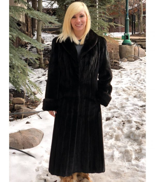 20180321 mink Natural Blackglama fitted mink coat 1 1000x1176 1