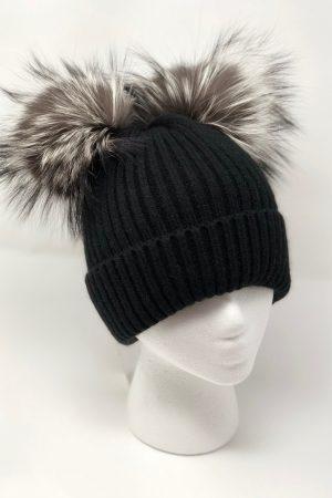 black knit pompom 1000x1176 1 min
