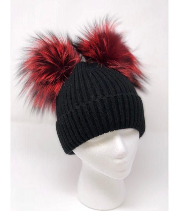 black red knit pompom 1000x1176 1 min