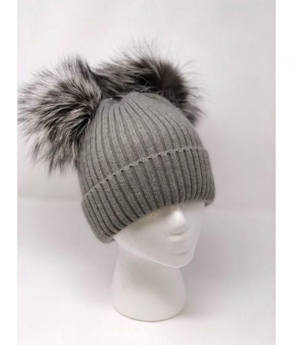 gray knit pompom 1000x1176 1 min