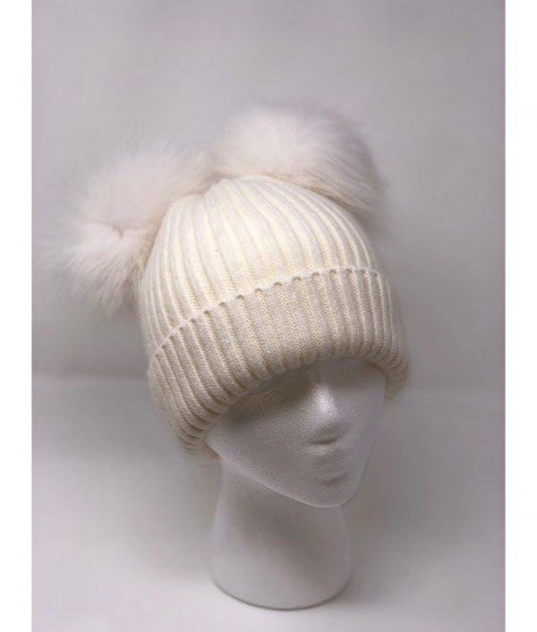 white knit pompom 1000x1176 1 min